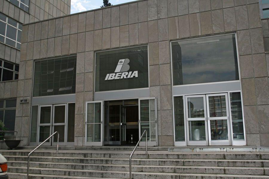 Señalización completa oficinas centrales IBERIA